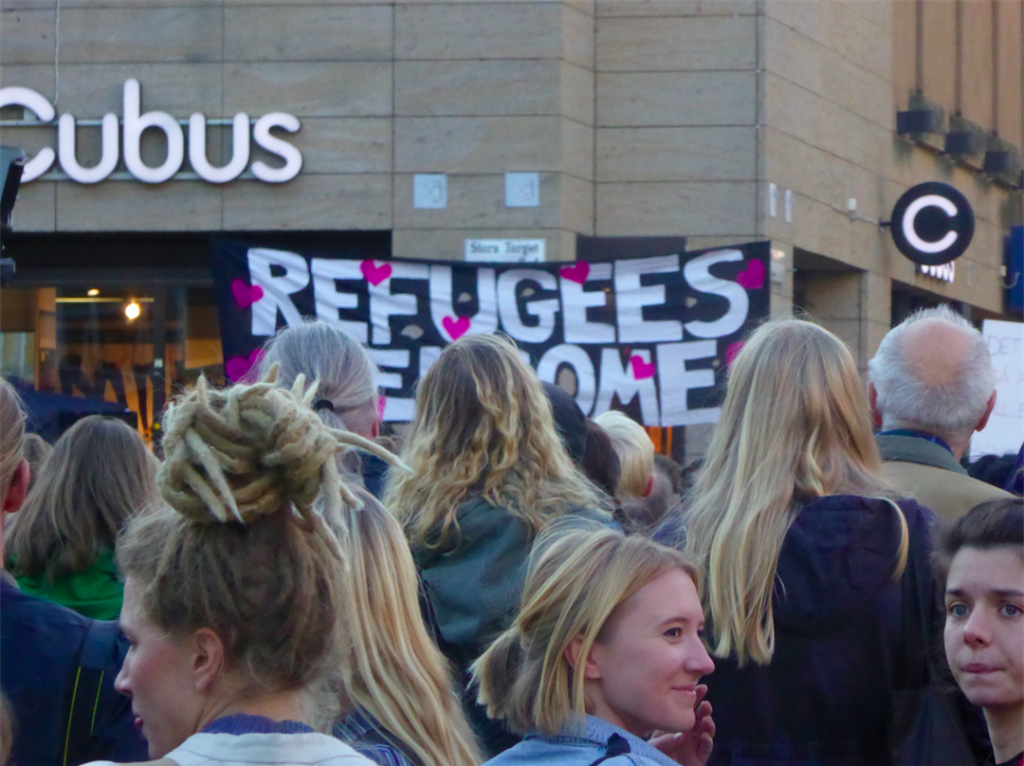 """Refugees Welcome to Uppsala"". Photo: Marie Zafimehy pour Radio Londres."