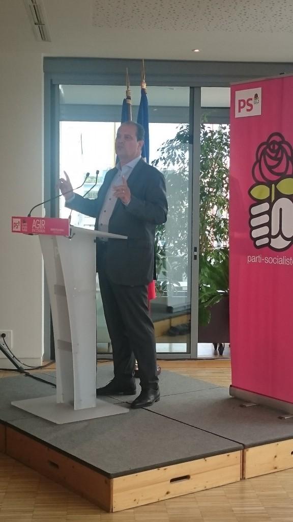 """Jean-Christophe Cambadélis, premier secrétaire du Parti Socialiste, a souhaité """"fermer le débat avec Emmanuel Macron""""."""